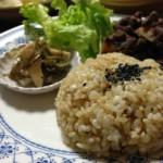炊飯器で炊く玄米をやわらかく、美味しくする方法とは?