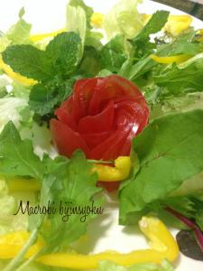 27年マクロビお花のサラダ