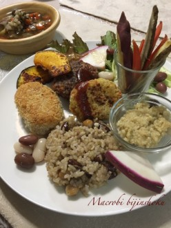 マクロビオティック豆と雑穀のプレート